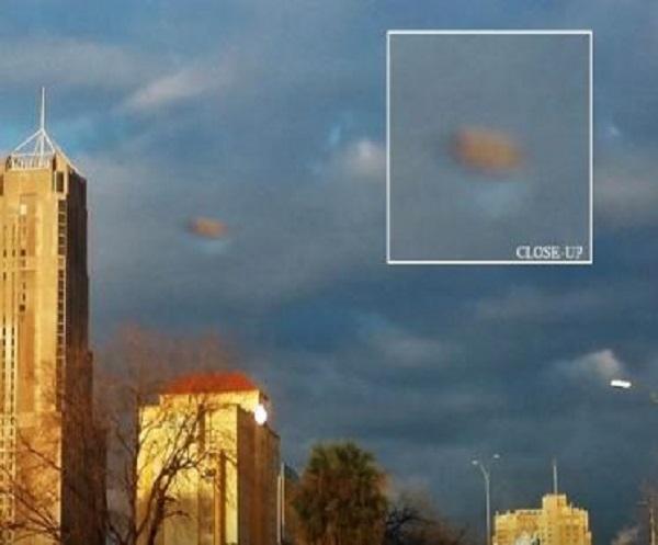 """YOUTUBE """"Ufo camuffato da nuvola"""": mistero in Texas"""