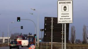 Paga multa in anticipo: si ritrova con l'auto sequestrata