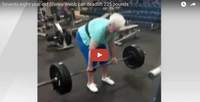 """YouTube, la nonna """"Hulk"""": alza 100 kg senza fatica. VIDEO"""