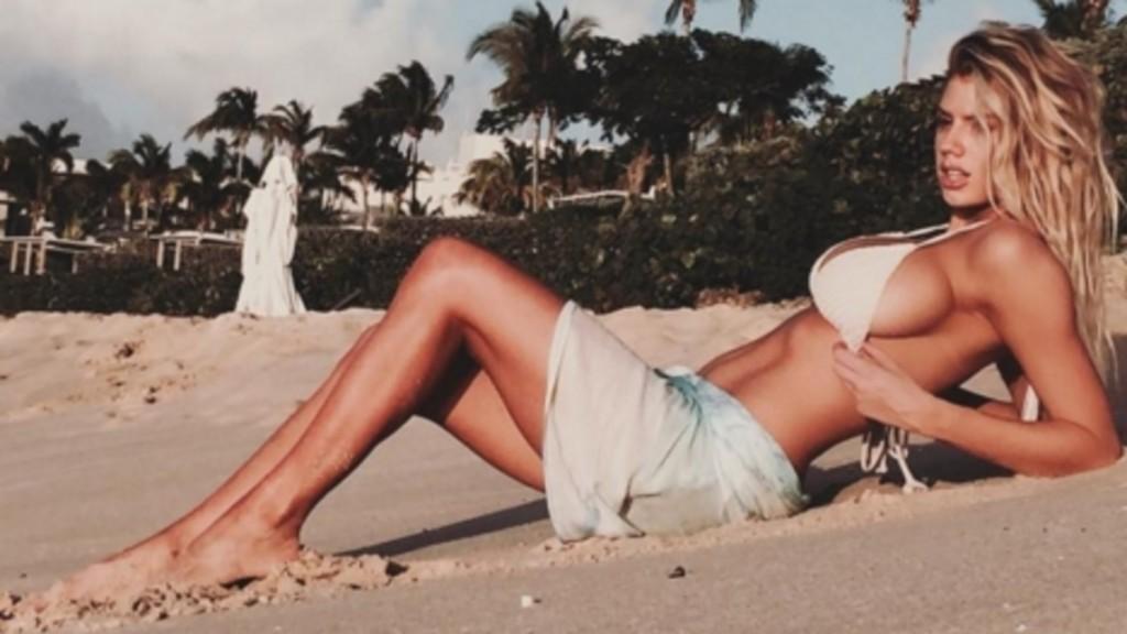Baywatch, Charlotte McKinney sarà la nuova Pamela Anderson 11