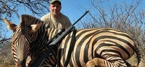 Hristo Stoichkov cacciatore, foto con zebra morta: è bufera