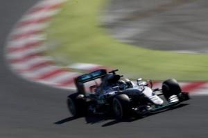 F1, Gp Bahrain: Mercedes in pole ma la Ferrari c'è