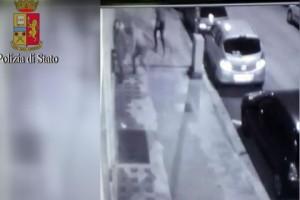 YOUTUBE Trascinata e picchiata dai rapinatori: arrestati