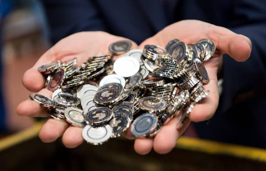 """Moneta 5 euro, ecco come sarà la """"Blue Planet Earth"""" 03"""