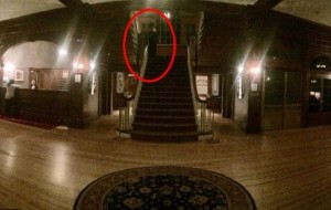 Shining, foto immortala fantasma in hotel che ispirò Kubrik