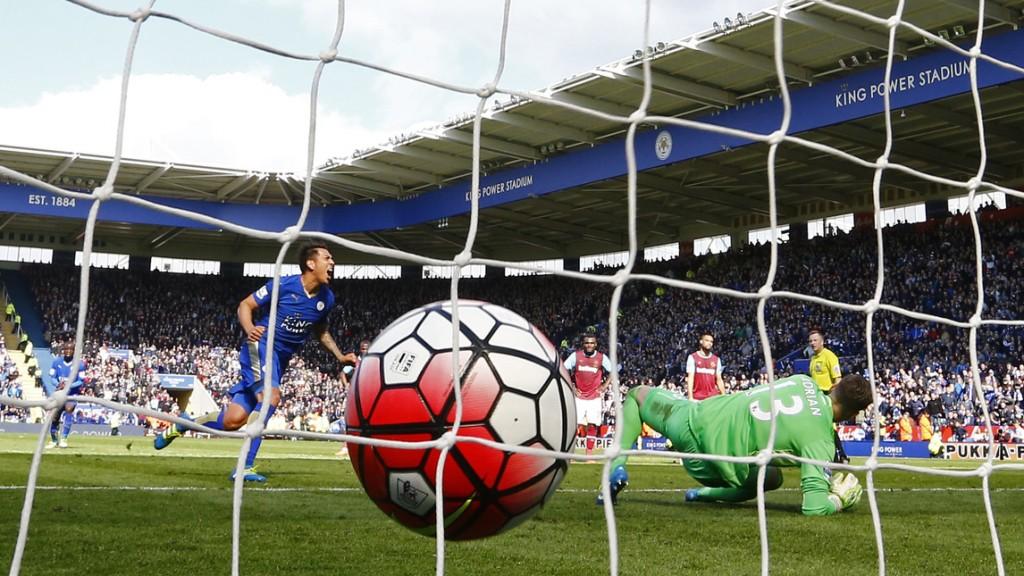 Leicester-West Ham 2-2, Ranieri pari al 95', Vardy espulso 03