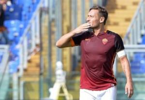 Guarda la versione ingrandita di Calciomercato Roma, contatto fra Totti e New York Cosmos