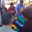 YOUTUBE Reporter colpito da schegge granata in diretta tv 05