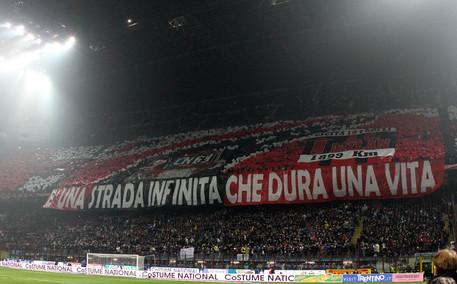 Milan, tifosi contro Berlusconi per esonero Mihajlovic