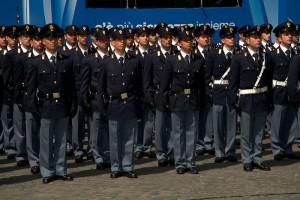 Polizia, concorso per 80 commissari: requisiti, prove esame