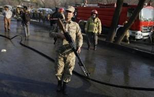 Afghanistan, attacco suicida a Kabul: almeno 28 morti  (foto Ansa)
