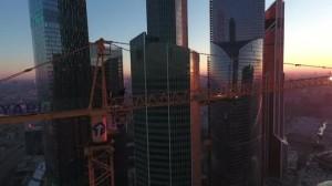 Appesi a gru alta come grattacielo senza protezioni 2