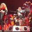 Axl Rose ha la gamba rotta: a Las Vegas canta seduto5