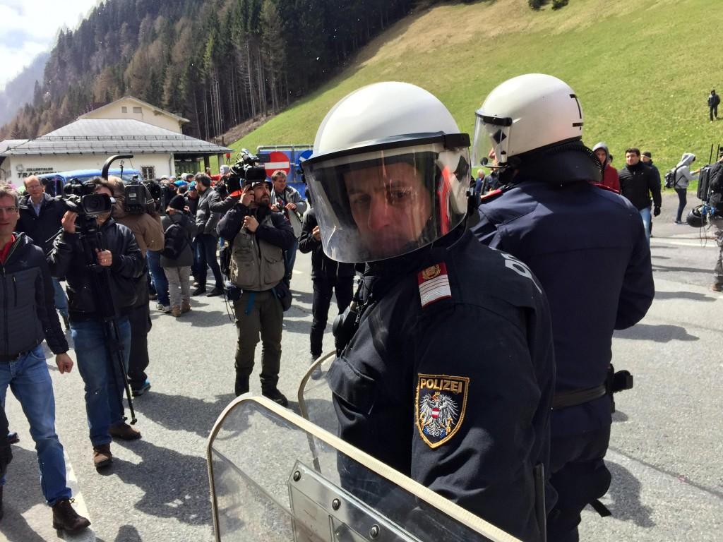 Brennero, scontri. Militante bolognese fermato