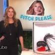 YOUTUBE Julia Roberts vende kit sadomaso in tv 03