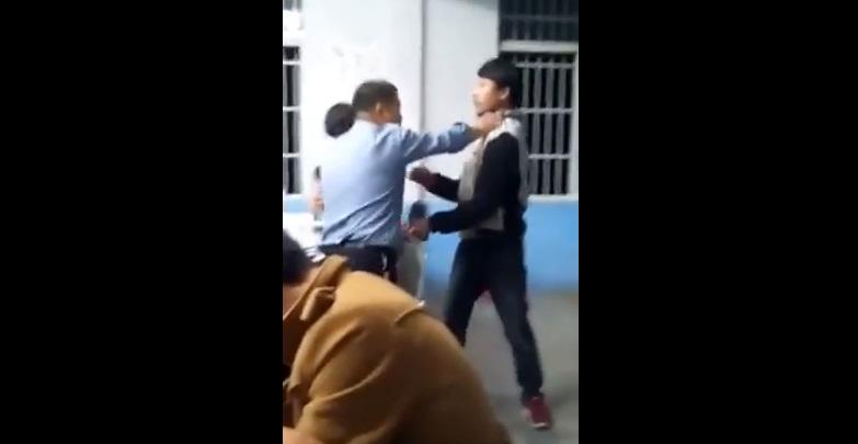 Cina, prof picchiato da studenti: ma a cominciare5