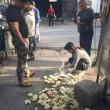 Cina, ubriachi pestano panini ad ambulante senza motivo