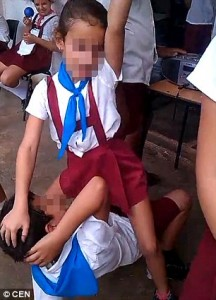 YOUTUBE Cuba, bambini ballano twerking a scuola VIDEO
