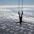 Danza col trapezio col piede fissato a mongolfiera5