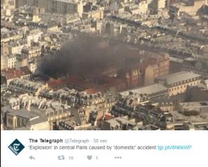 Parigi, violenta esplosione in centro. Panico ma... FOTO