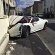 Ferrari affittata per matrimonio: sposa accelera