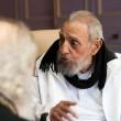 Fidel Castro riappare in pubblico dopo 9 mesi2