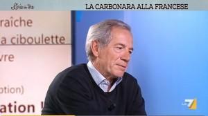 Guido Bertolaso spiega come cucinare la carbonara3