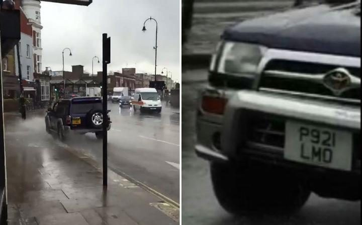 Londra, sgomma nelle pozzanghere per bagnare passanti2