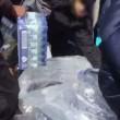 Pubblico ruba acqua minerale durante Maratona Londra7