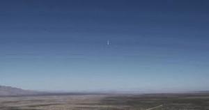 YOUTUBE Razzo arriva a 100 km d'altezza e torna in verticale