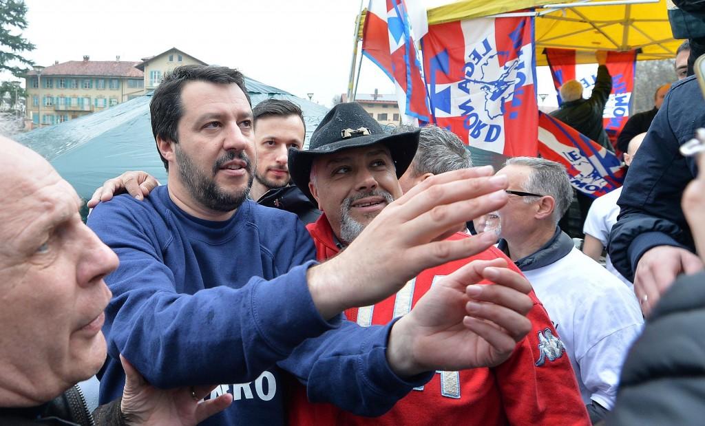 """Salvini sotto casa Fornero: """"Chieda scusa per legge2"""