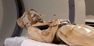 YOUTUBE Mummie misteriose: tac per scoprire causa morte