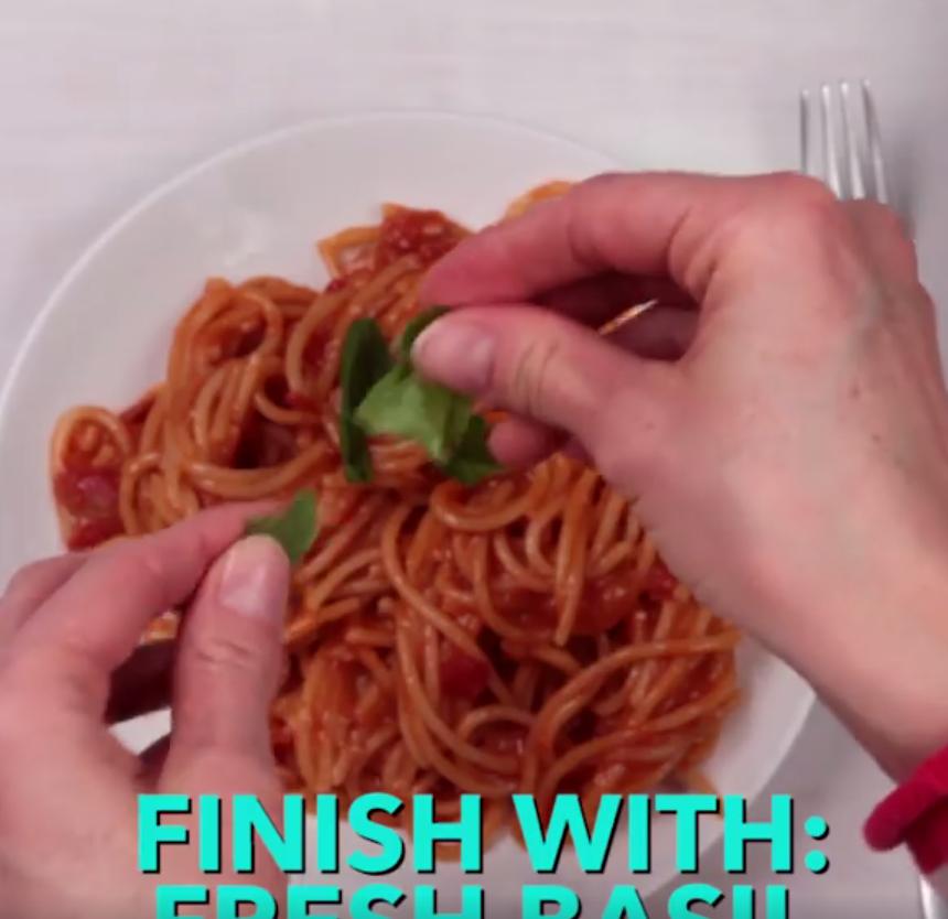 VIDEO Spaghetti alla marinara all'americana: l'ultimo orrore 7