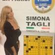 Simona Tagli, manifesto elettorale col cruciverba televisivo