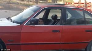 Testacoda con l'auto del padre a soli 3 anni3