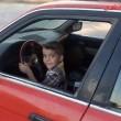 Testacoda con l'auto del padre a soli 3 anni4