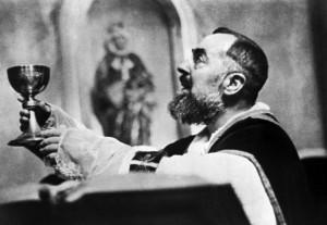 """""""Padre Pio santo protettore dei soldati invalidi"""". Appello"""