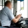 Voghera, manda sms e guida il bus con i gomiti VIDEO5