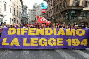 Aborto impossibile, Europa: Italia discrimina non obiettori