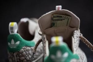 Adidas, scarpe con taschino per nascondere marijuana FOTO