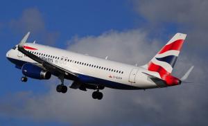 Aereo passeggeri colpito da un drone a Londra