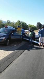 Aereo si incastra in auto ferma in strada, 1 morto VIDEO