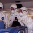 Aerei, sporcizia e batteri: posti e cose da evitare in volo