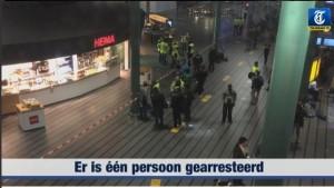Guarda la versione ingrandita di Amsterdam, aeroporto sgomberato: pacco sospetto e 1 arresto