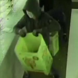 Alassio, rapinato negozio di ottica: bottino da 80mila euro