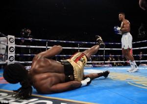 Boxe, destro al secondo round, Anthony Joshua vince per Ko
