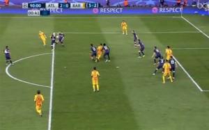 Guarda la versione ingrandita di Atletico Madrid-Barcellona, Rizzoli nega rigore a Barça FOTO