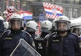 Guarda la versione ingrandita di Poliziotti austriaci