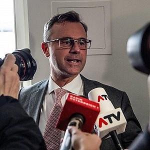 Austria presidenziali: estrema destra anti-migranti in testa
