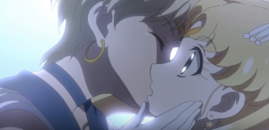 Video YouTube - Bacio lesbo nel cartoon Sailor Moon